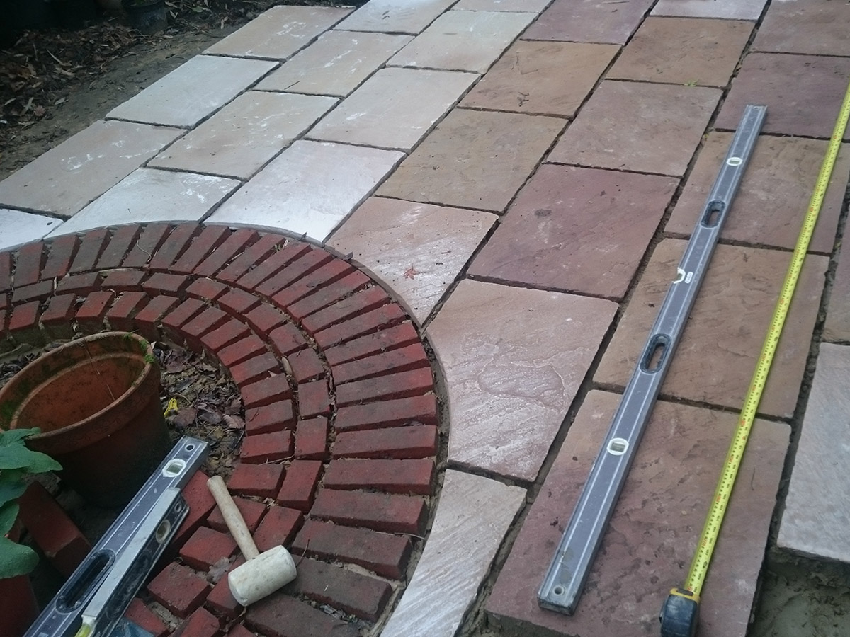 Patio in Storrington by Superpoint